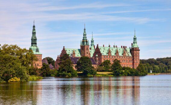フレデリクスボー城 デンマークの風景