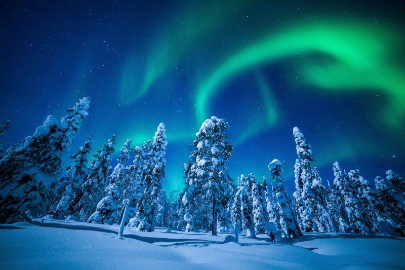 冬のアイスランドの風景
