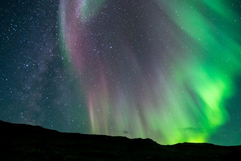 グリーンランド南部クヤレックの村イガリクで見るオーロラ