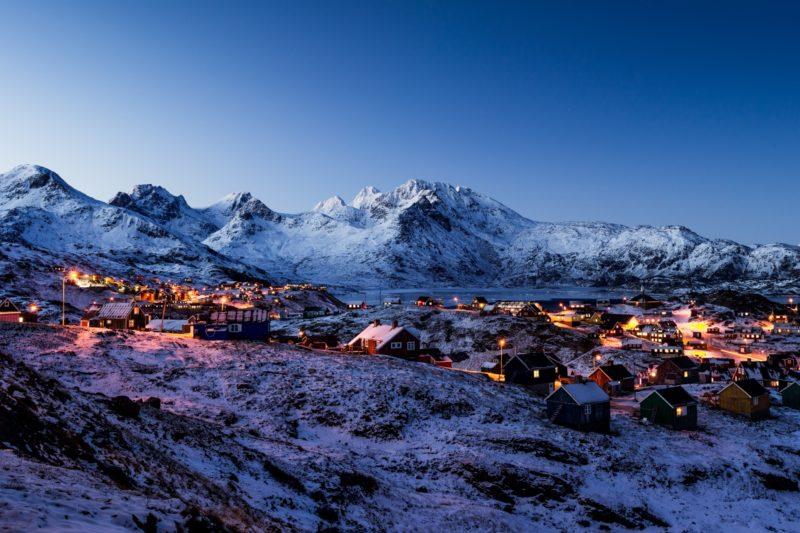 グリーンランドの夕暮れの風景